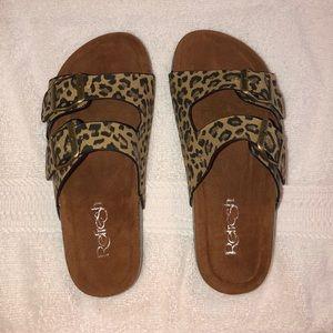 🖤NEW🖤 Refresh Leopard Slides